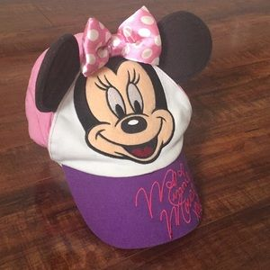 Other - Like new! DISNEY 💕Minnie Mouse hat 💕